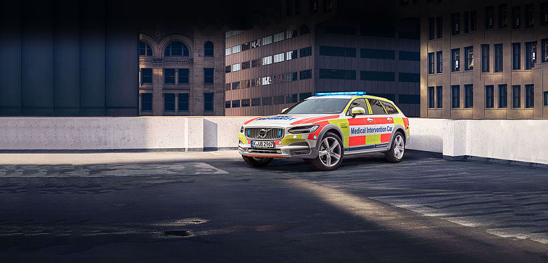 "Volvo V90 Cross Country als Lebensretter: ""Medical Intervention Car"" feiert ersten Geburtstag"